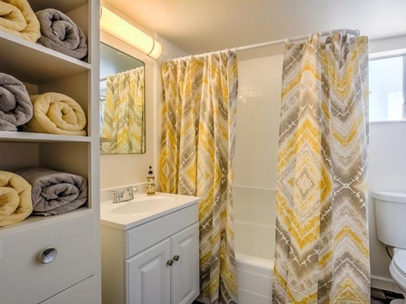 Bathroom | The Argyle Apartments