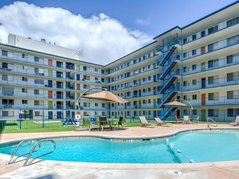 Pool | The Argyle Apartments