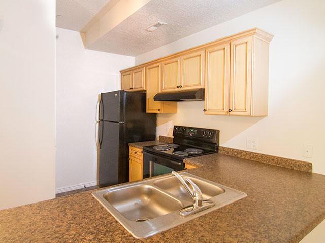 Kitchen | Ridgeview Apartments in North Salt Lake