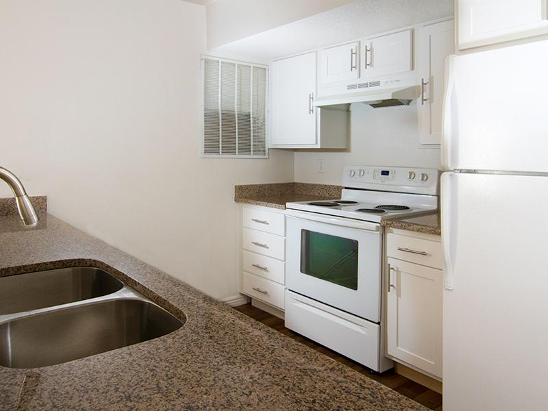 Fully Equipped Kitchen | Ridgeview Apartments