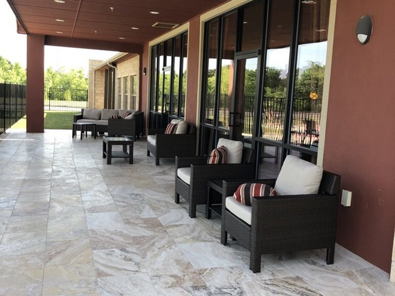 Seating | Woodlands of Denton Apartments
