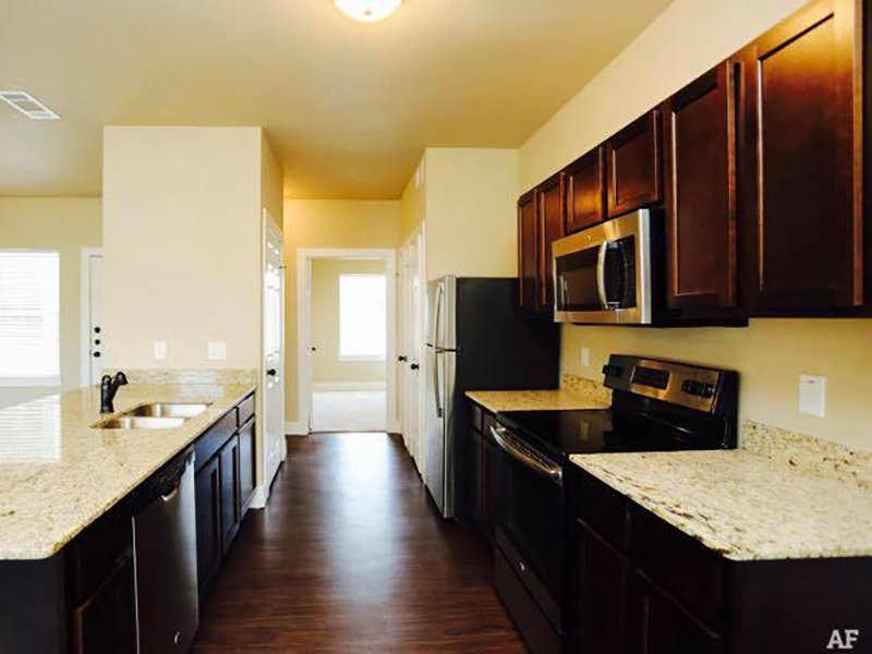 Fully Equipped Kitchen | Woodlands of Denton Apartments