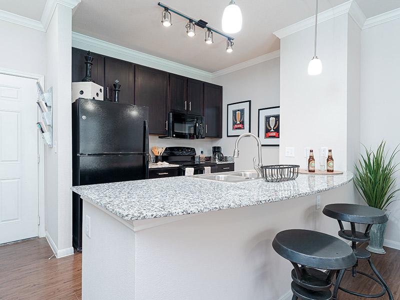 Kitchen | Cascadia Apartments in San Antonio, TX