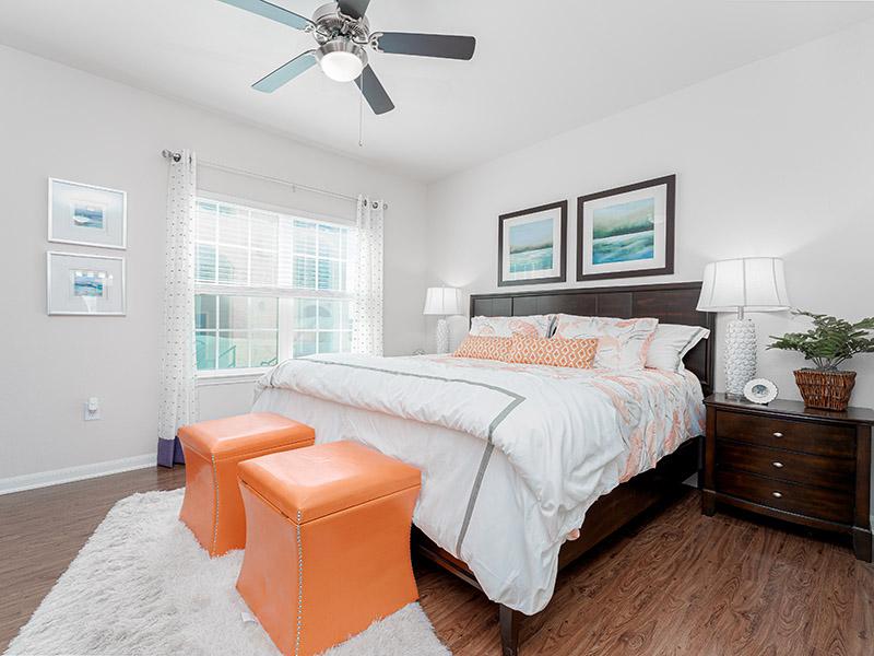 Room | Cascadia Apartments