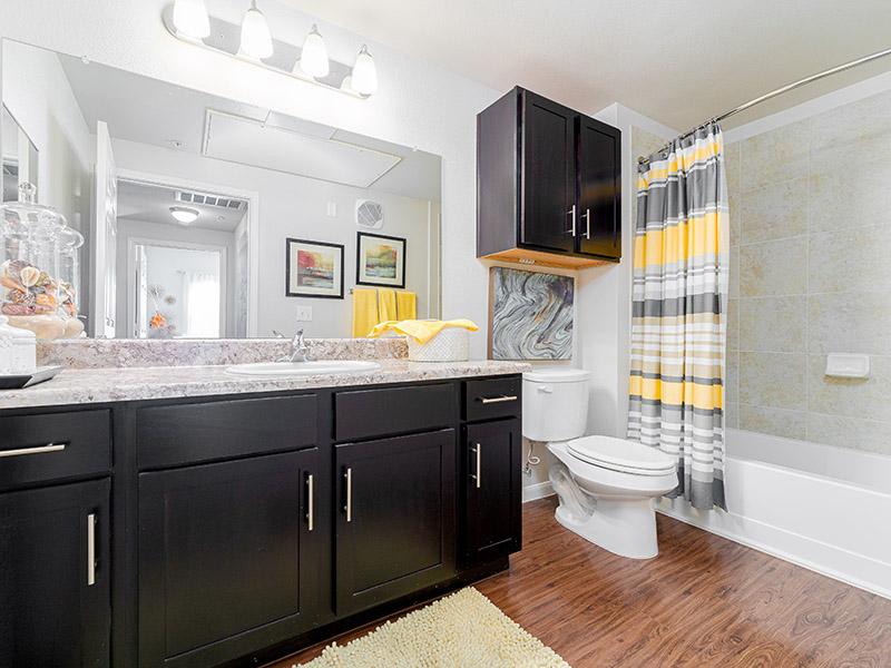 Bathroom | Cascadia Apartments