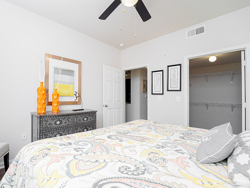 Large Bedroom | Cascadia Apartments