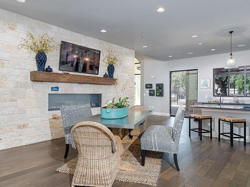 Clubhouse Lounge | Cascadia Apartments in San Antonio, TX