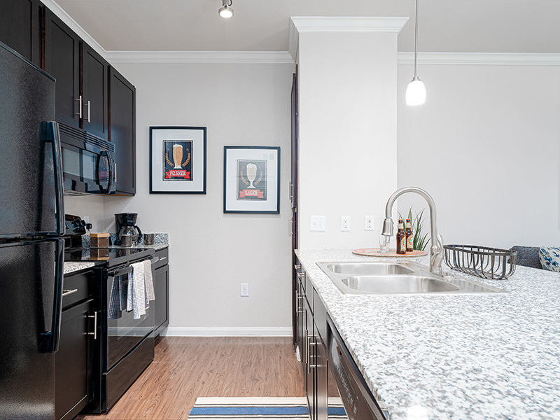 Fully Equipped Kitchen | Cascadia Apartments in San Antonio, TX