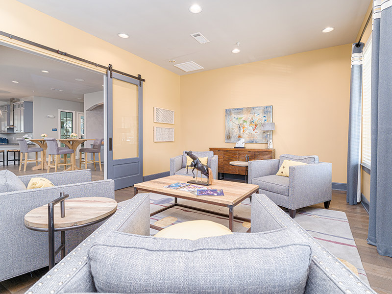 Clubhouse Business Center | Cascadia Apartments in San Antonio, TX