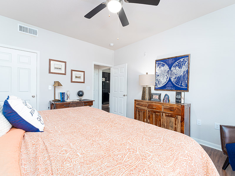 Large Bedrooms | Cascadia Apartments in San Antonio, TX