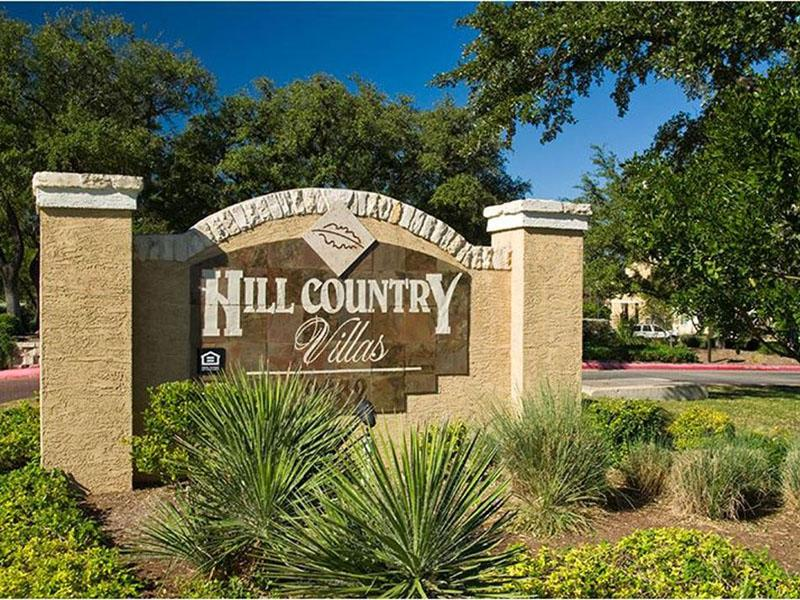 Welcome Sign | Hill Country Villas