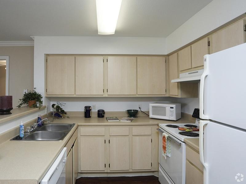 Kitchen | The Gateway at Lake Jackson