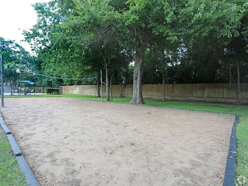 Volleyball Court | The Gateway at Lake Jackson