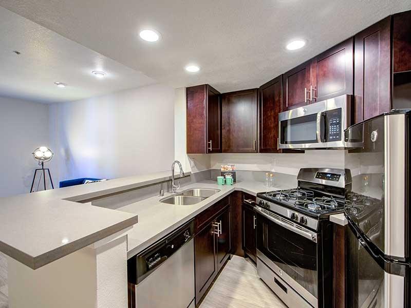 Fully Equipped Kitchen   Elevate Long Beach
