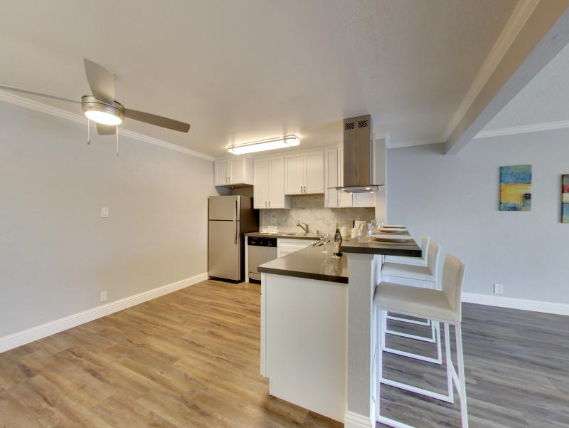 Fully Equipped Kitchen | Sunset Pines Apartments