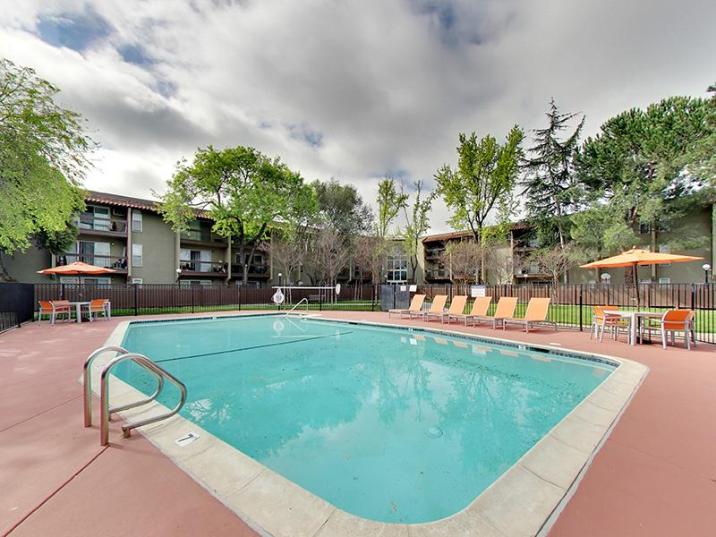 Swimming Pool | Sunset Pines Apartments in Concord, CA