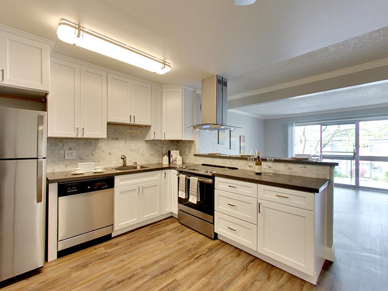 Kitchen | Sunset Pines Apartments in Concord, CA