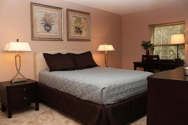 Apartments for rent in fox lake. IL