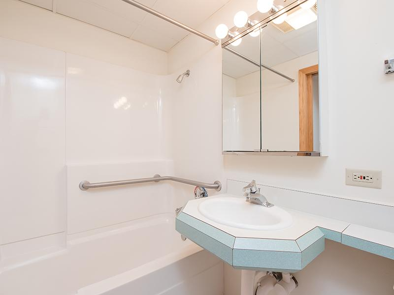 Bathroom | Lilac Apartments