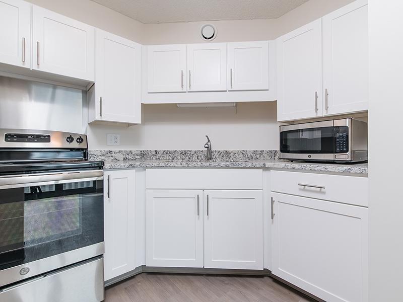Kitchen | Maple Pointe