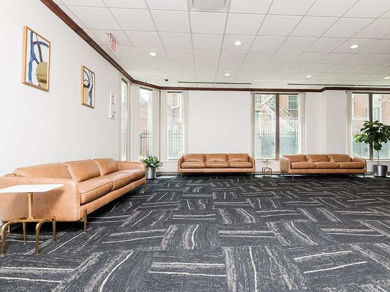 Seating Area | Maple Pointe