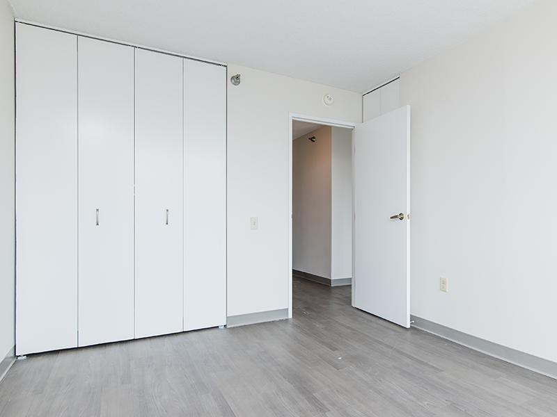 Room | Maple Pointe