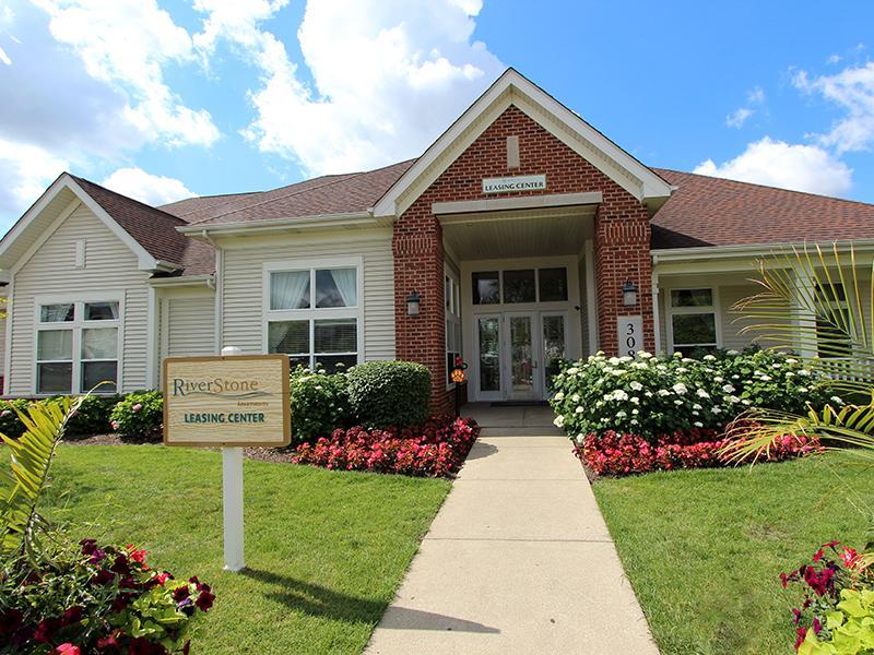 Riverstone Apts Bolingbrook, IL