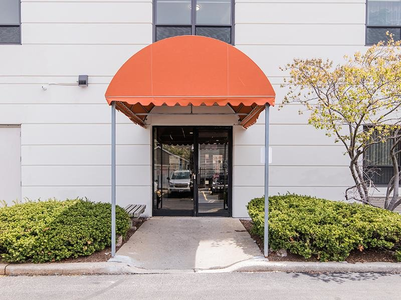 Side Entrance   Walsh Park