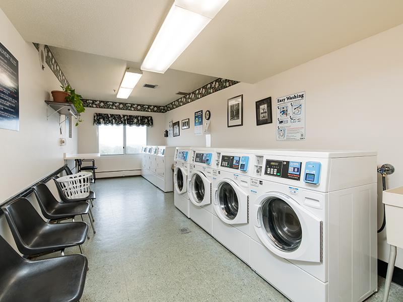 Laundry Facility  | Centennial South Apartments in Mount Prospect, IL