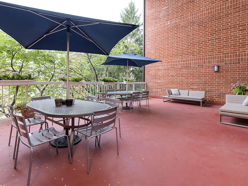 Rooftop Lounge | Centennial South Apartments in Mount Prospect, IL