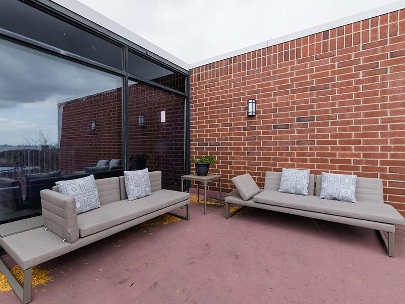 Outdoor Lounge | Centennial South Apartments in Mount Prospect, IL