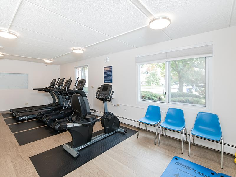 Fitness Center | Centennial South Apartments in Mount Prospect, IL