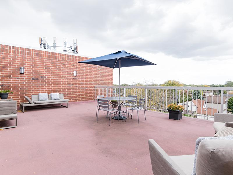 Outdoor Seating | Centennial South Apartments in Mount Prospect, IL