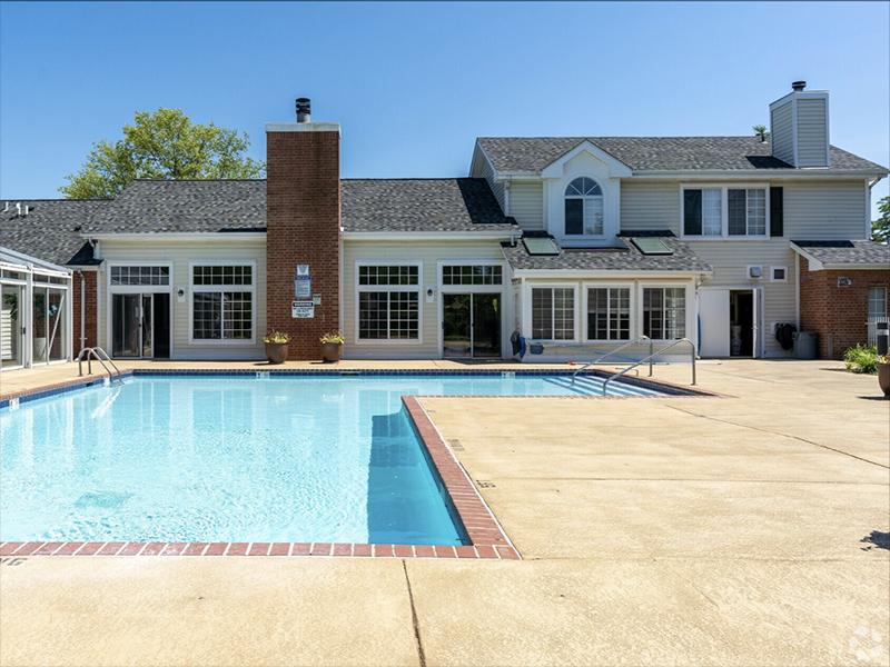 Pool | The Arbors of Brookdale Apartments