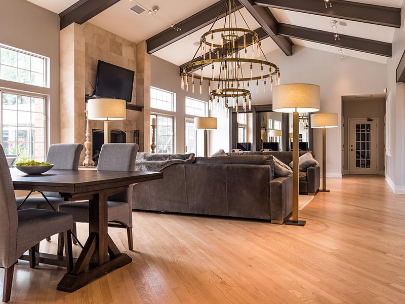 Clubhouse | The Arbors at Brookdale Apartments in Naperville