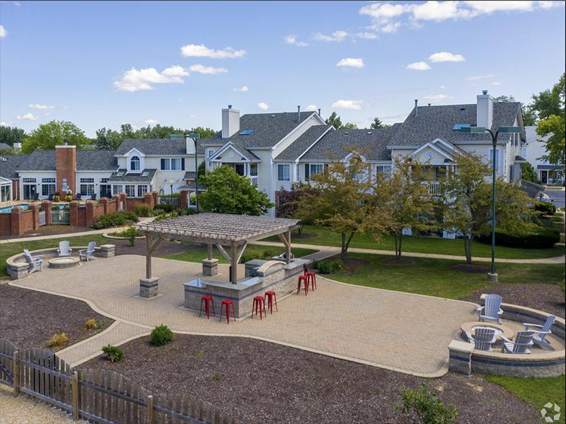 BBQ & Outdoor Lounge | The Arbors of Brookdale Apartments