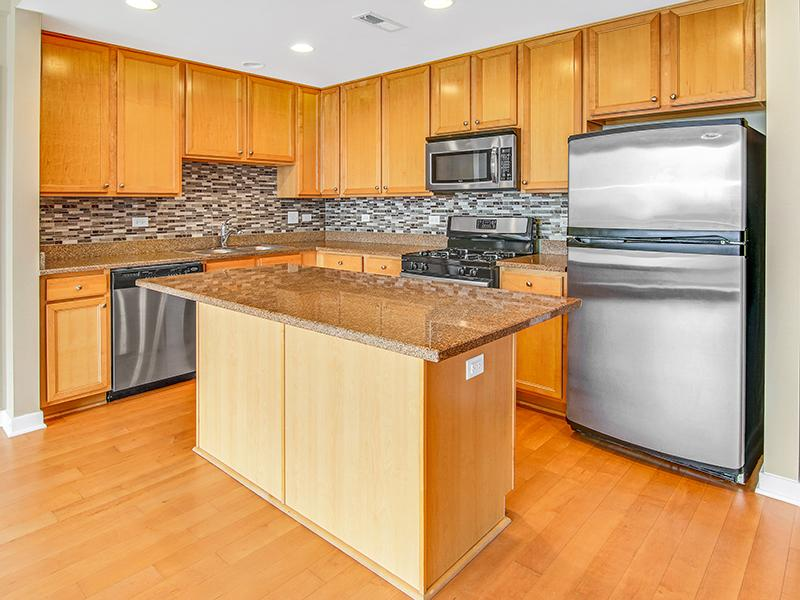 Kitchen | Kingston Pointe Apartments