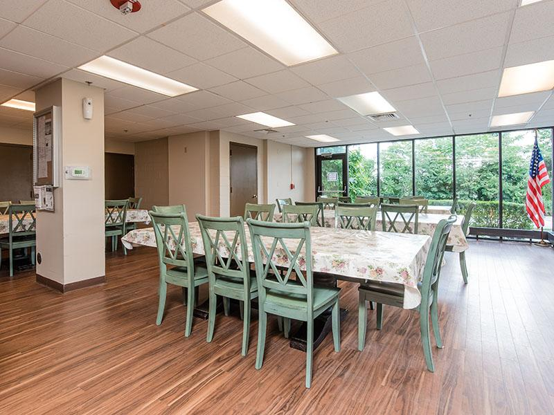 Dining Area | Westwind Tower Apartments | Elgin, IL