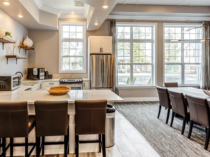 Model Dining Area & Kitchen | Riverun at Naperville
