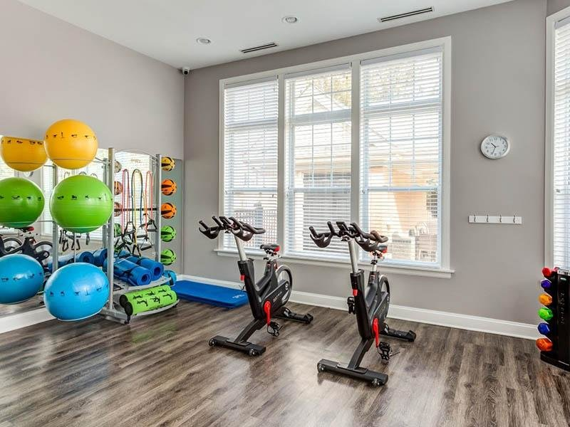 Apartments with a Gym | Riverun at Naperville