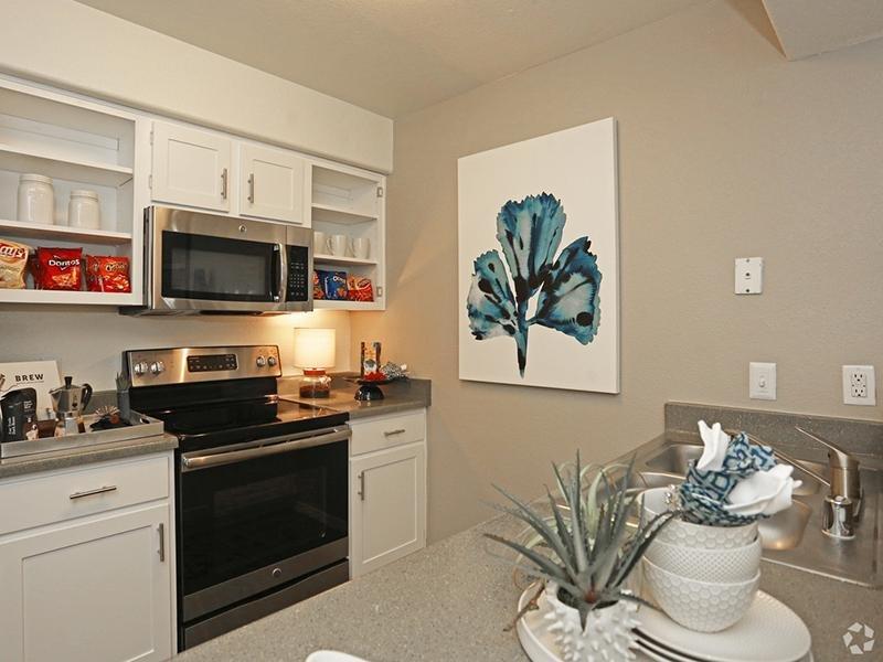 Kitchen   San Valiente Apartments