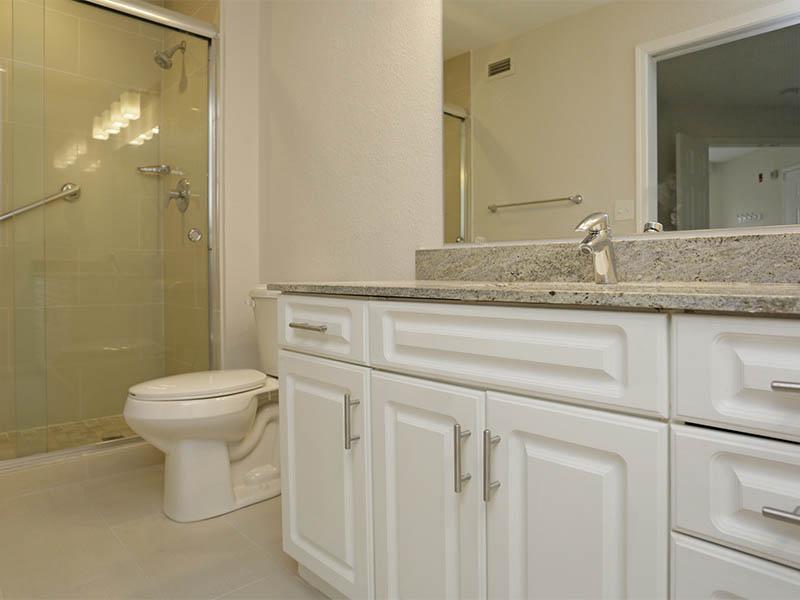 Bathroom | Hillside Apartments