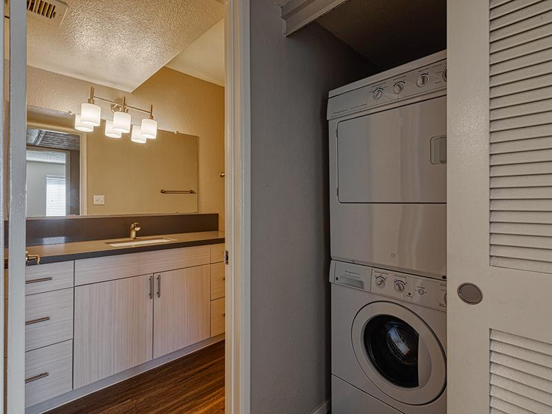 Washer & Dryer | Willowcreek