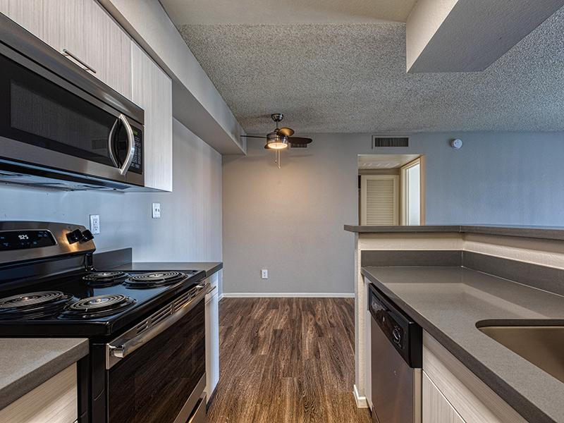 Kitchen | Willowcreek Apartments in Tempe, AZ