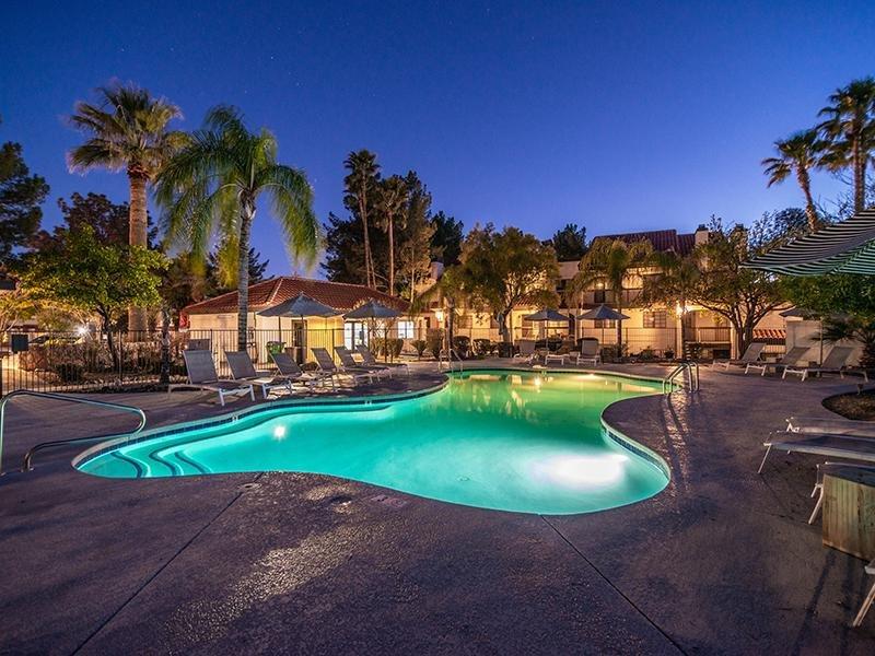 Pool | Entrada Apartments