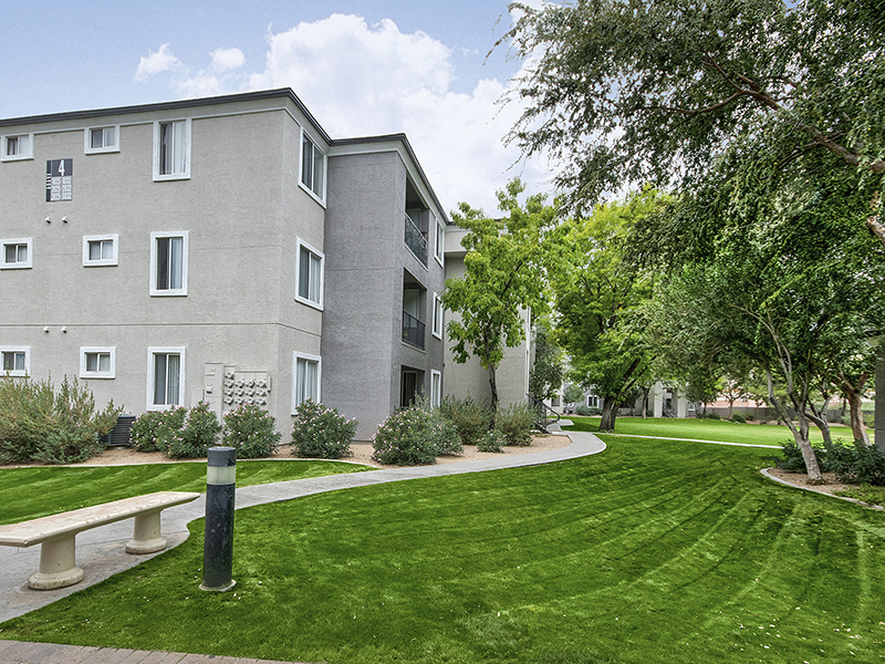 Apartment Exterior | Heritage at Deer Valley