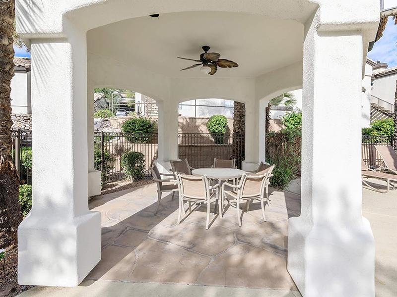 Poolside Cabana Lounge | Pinnacle Heights Apartments Tucson AZ