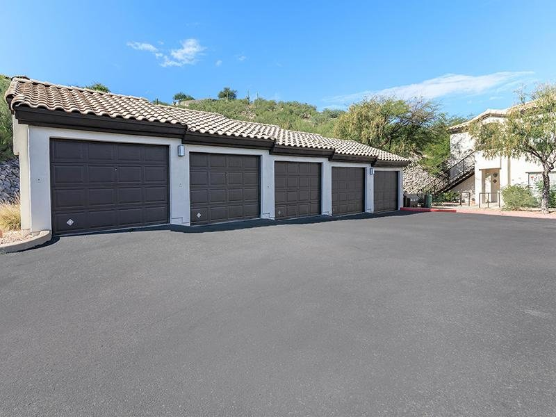 Garages Available | Pinnacle Heights
