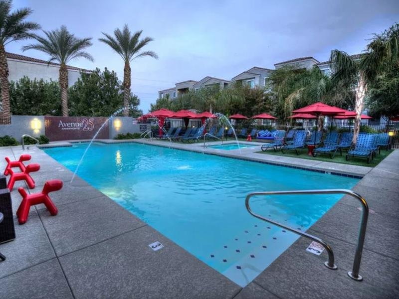 Swimming Pool | Avenue 25 Apartments in Phoenix, A
