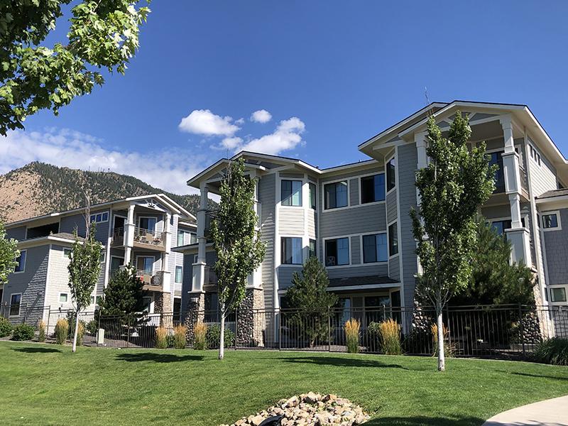 Building   Elevation Luxury Apartments